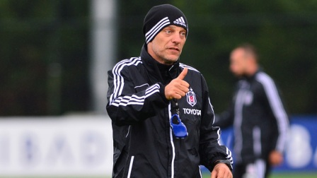 Bilic'in sarf ettiği 'Come on give me a break' sözü tişört oluyor